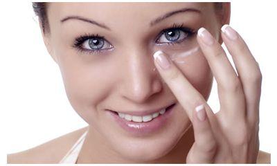 Cara yang Efektif dalam Menggunakan Eye Cream