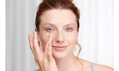 Kapan Sebaiknya Mulai Menggunakan Krim Mata Eye Cream