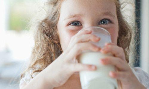 Pilihlah susu yang tinggi kalsium dan protein