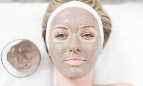 Bagi kulit sensitif gunakan clay mask karena lebih aman