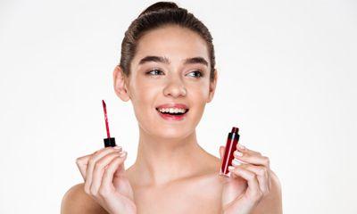 Jenis Gloss Type Menghasilkan Bibir yang Terlihat Lebih Bervolume