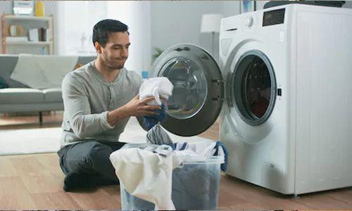 Pahami Teknik Mencuci yang Tepat Berdasarkan Jenis Bahan Pakaian