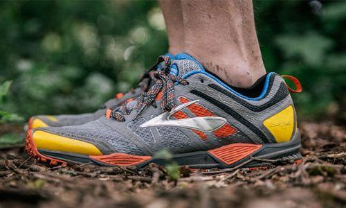 Trail running Shoes Tangguh dalam Medan Off Road yang Berbatu dan Berlumpur