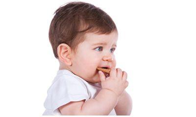 Kapan Memberikan Biskuit Bayi Sebagai MPASI