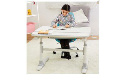 Periksa Tinggi dan Lebar Meja agar Sesuai dengan Postur Tubuh