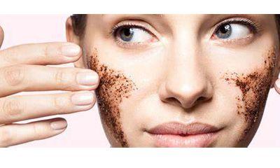 Sesuaikan Face Scrub dengan Masalah Kulit yang Anda Hadapi