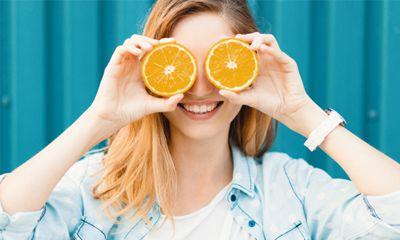 Vitamin C dan Turunannya Bertindak Sebagai Antioksidan Sekaligus Pencerah Kulit