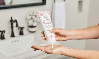 Untuk Kulit Berminyak dan Berjerawat Utamakan Sunscreen Bertekstur Lightweight